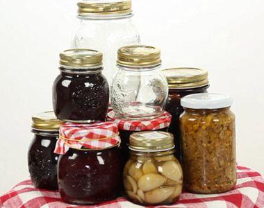 Scuola di Cucina - Come sterilizzare i vasetti - GialloZafferano.it