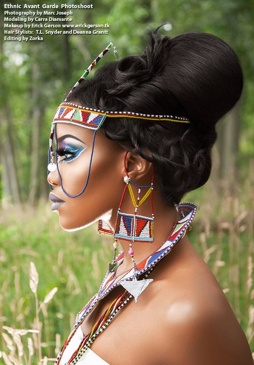J'adore le maquillage du modèle qui fait très Massai ( guerrier africain) et les bijoux lui vont à ravir. Qu'en pensez -vous?