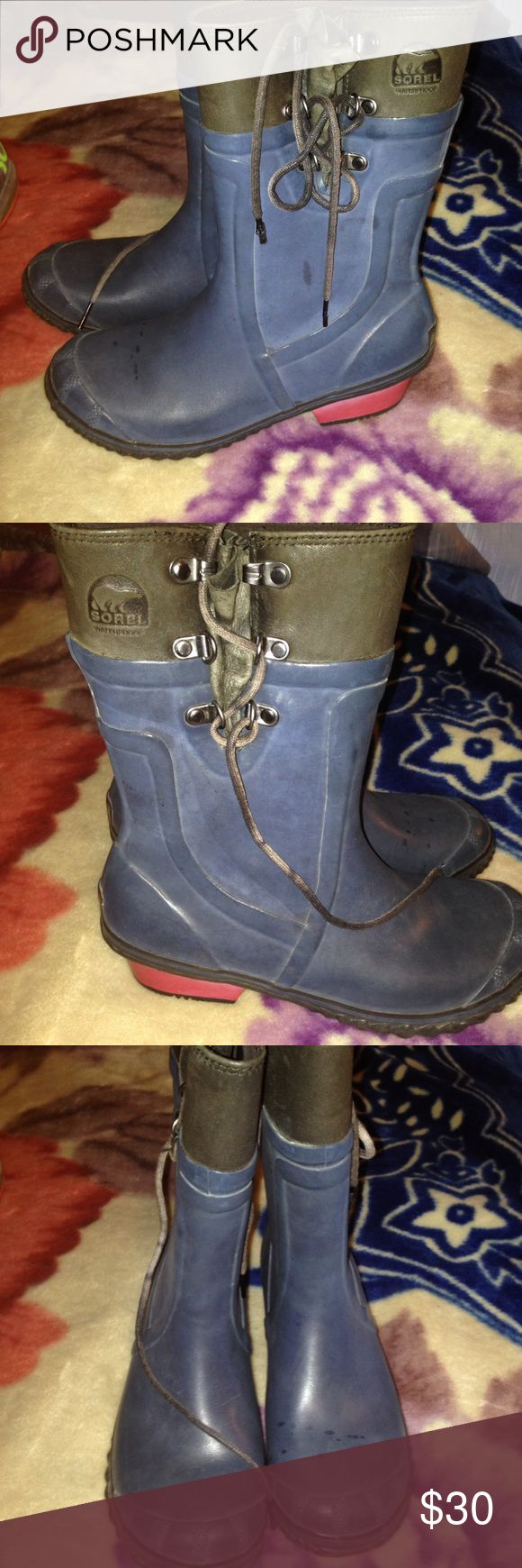 Women slate blue grey SOREL Rubber rain boots 7 Gently used condition,soles are excellent and the uppers do show some signs of use but are still great condition,grey and steel/slate blue with red heels and side laceup  detail , sz 7 women's ,sorel brand Sorel Shoes Winter & Rain Boots