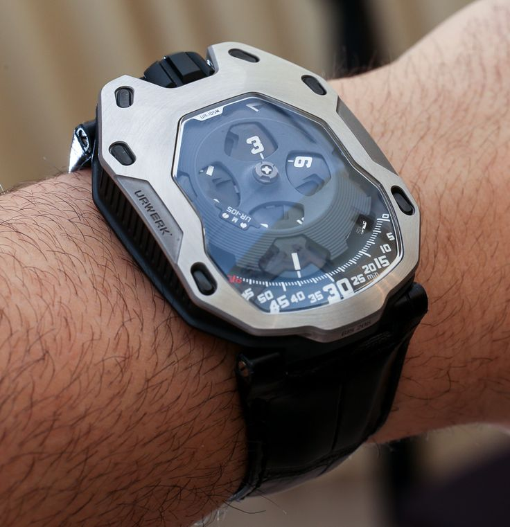 URWERK UR 105M Iron & Dark Knight Watches Hands On    hands on