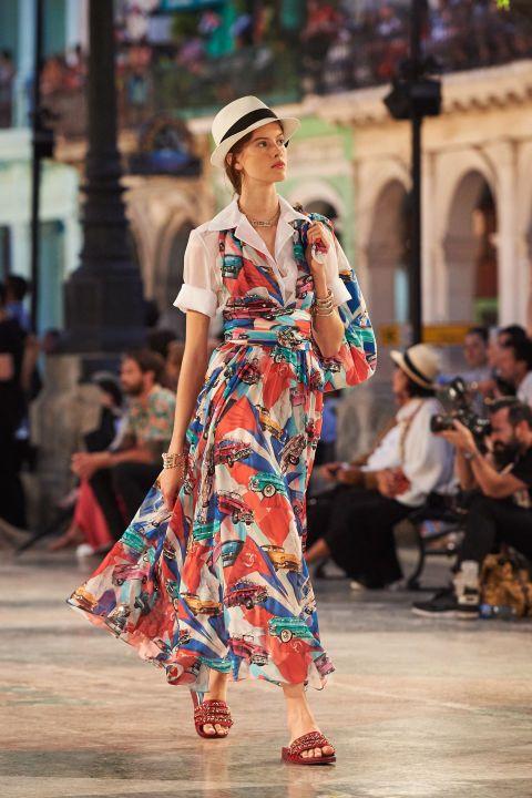 Chanel Cruise Fashion Show in Cuba - Chanel Cruise 2017 Cuba Runway