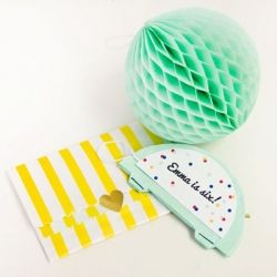 Make DIY interactive party invitations with honeycomb balls! These won't get thrown out after the party ends!