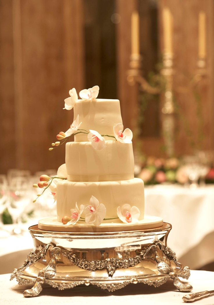 wedding cake trays 17 best images about a classic wedding on 26699