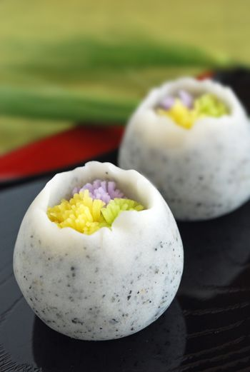 茶席上生菓子『春咲き花』 : 本日も和菓子日和です