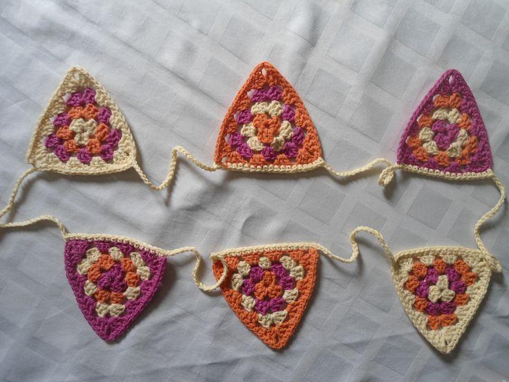 Banderín tejido a crochet, $55 en http://ofeliafeliz.com.ar