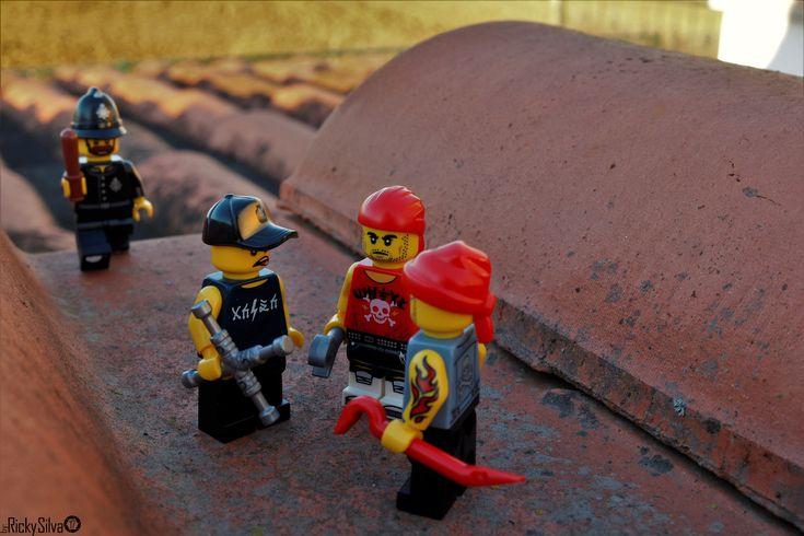 https://flic.kr/p/HPoB54 | [Real World] (42) Gang  #Canon #Comunidade 0937 #Photography #LegoPhotography #LegoMinifig #Lego #Minifig #Minifigures #Legos #PhotographyLego
