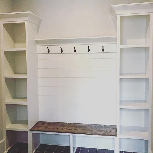 Diy Laundry Closet To Mudroom Makeover Mudroom Makeover Diy Mudroom Bench Mud Room Storage