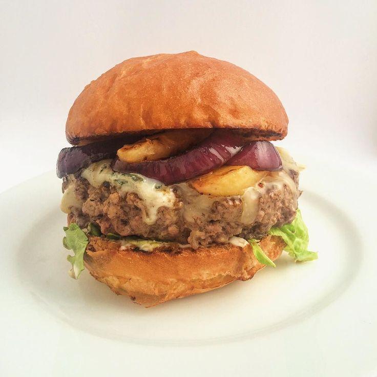 Gorgonzola & Nectarine Burger - all week at the diner!  Бургер с горгонзола и гриловани нектарини -  цяла седмица в дайнъра!