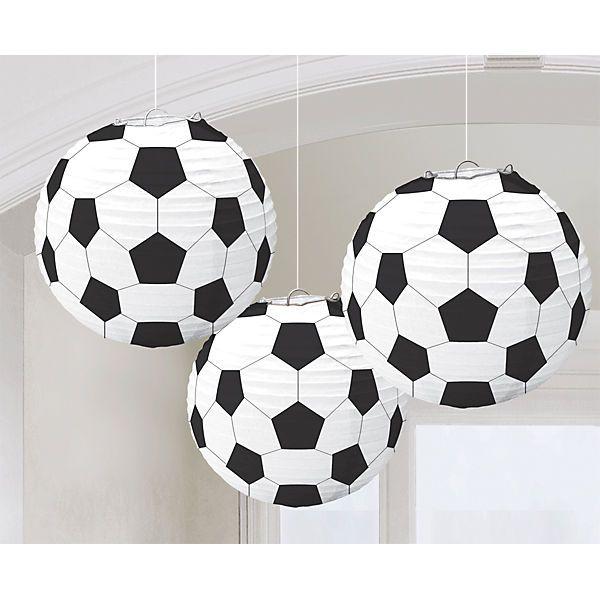 3 tolle Lampions in Form eines Fußballs.<br /> <br /> Durchmesser: ca. 24 cm