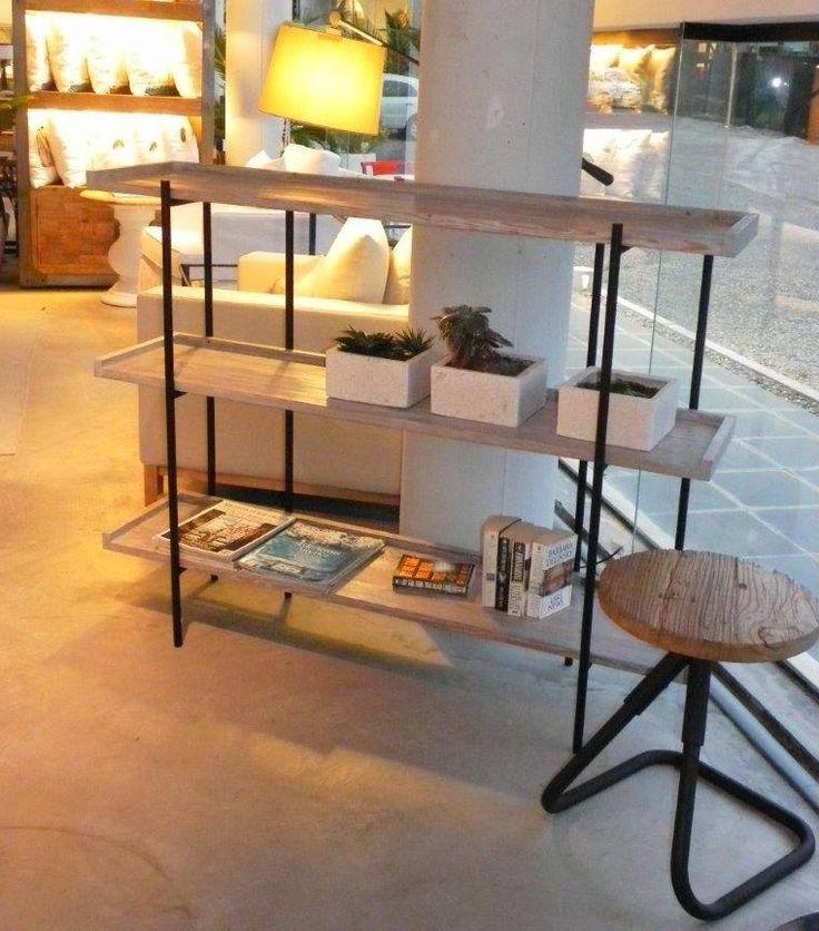 MARABIERTO - Consola Sham, con base de hierro simil oxidado y estantes de pinotea en patina gris