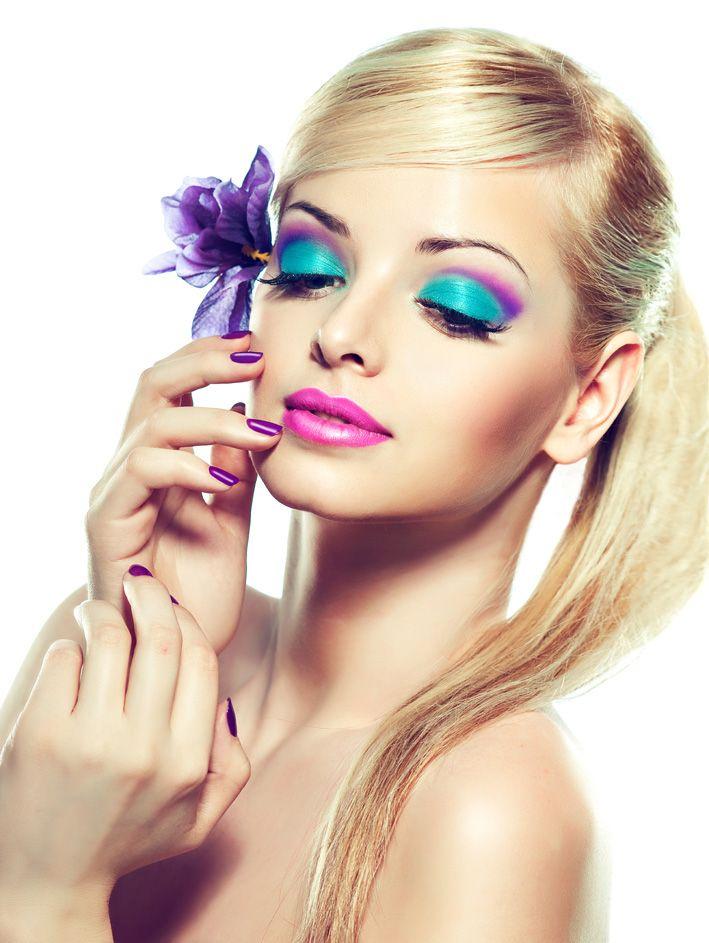 12-14 июля: Красота по Луне: Луна в Рыбах. Рецепты  В дни Луны в Рыбах весьма неблагоприятны стрижки и любые воздействия на волосы. Волосы могут стать непослушными и будут плохо укладываться. Также уязвима в эти дни кожа, повышается чувствительность кожи, и как следствие - опасность аллергических реакций. Поэтому следует быть особенно осторожными с применением новых косметических средств и средств с жестким воздействием - пиллингов и т.д. Лучше вообще отказаться от подобных процедур.  В дни…