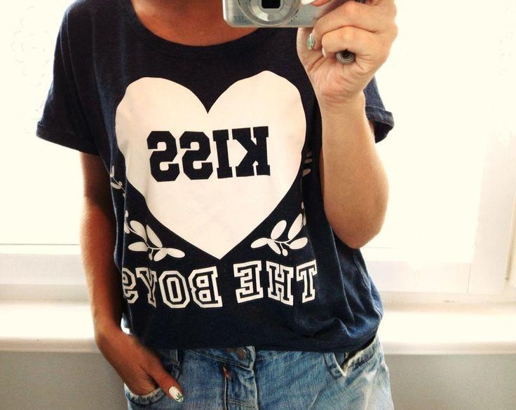 Koszulka oversize z nadrukiem Kiss the boys - vinted.pl