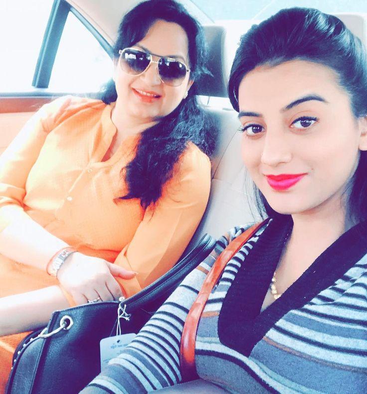 #very #famous #buaji #upasna #singh #lucknow #instadaily #superb #actress