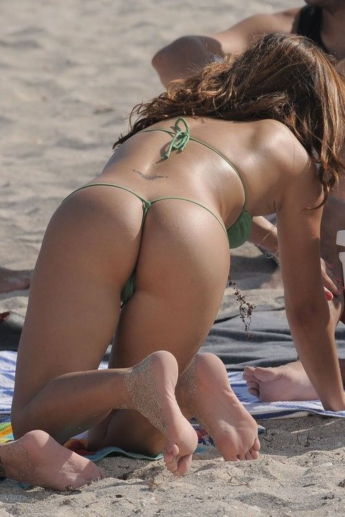 California bikini beach voyeur