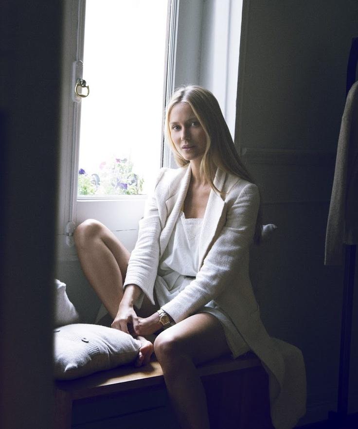 Vanesa Lorenzo #window #portrait