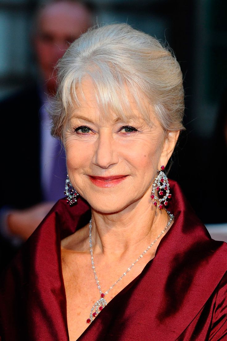 """Helen Mirren to play the Queen on west end stage in play """"The Audience"""" by Peter Morgan. Old Lady Dress, Grey Hair Styles For Women, Dame Helen, Helen Mirren, Sexy Older Women, Classic Beauty, Famous Faces, Elegant Woman, My Idol"""