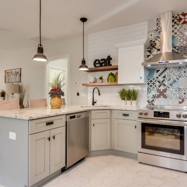 Forevermark Cabinets Serving Queens New York Best Rated Kitchen Remodel Kitchen Cabinets White Kitchen Cabinets
