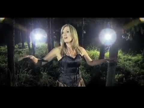 Juanita du Plessis - Tussen Woorde (OFFICIAL MUSIC VIDEO) - YouTube
