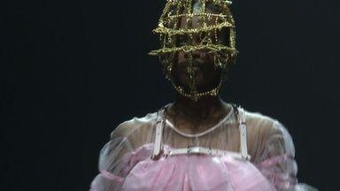 動画元バレエダンサーのデザイナー東京ファッションウィークにデビュー