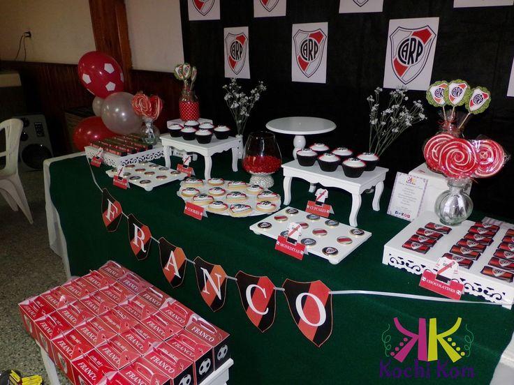 ambientaciones temáticas cumple temático ríver plate candy bar golosinas fiestas decoraciones niños festejo cumpleaños cajitas golosineras souvenirs centros de mesa