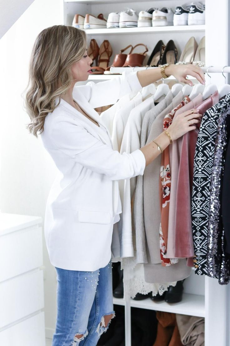 My Blazer Collection: Get a peek inside my closet and learn why I love blazers so much and how I create my signature style around them. From Boyfriend blazer, velvet blazer, kimono blazer to collarless blazers - I just want them all for my daily outfit creations. My Blazer Collection