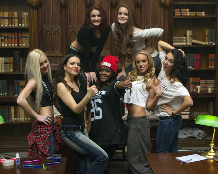 Kyrie-London-Video-Toxic-Dancers