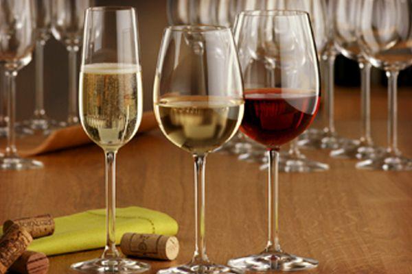 Toma nota de estos consejos para elegir el vino de la boda #bodas #ElBlogdeMaríaJosé #Vinoboda #Bebidaboda #LicoresBoda