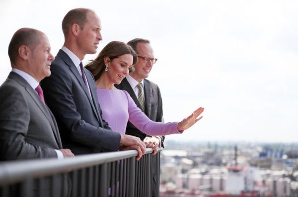 Kate Middleton Photos Photos - Prince William, Duke of Cambridge and Catherine, Duchess of Cambridge visit the Hamburg Elbphilharmonie with General and Artistic Director of the Elbphilharmonie and Laeiszhalle Christoph Lieben-Seutter (R) and the First Mayor of Hamburg Olaf Scholz (L) during day three of their official visit to Germany after two days in Poland on July 21, 2017 in Hamburg, Germany. - The Duke and Duchess of Cambridge Visit Germany - Day 3