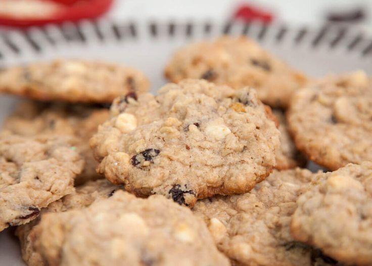 ... chewy oatmeal cookies dried cherries cookie recipes dessert recipes