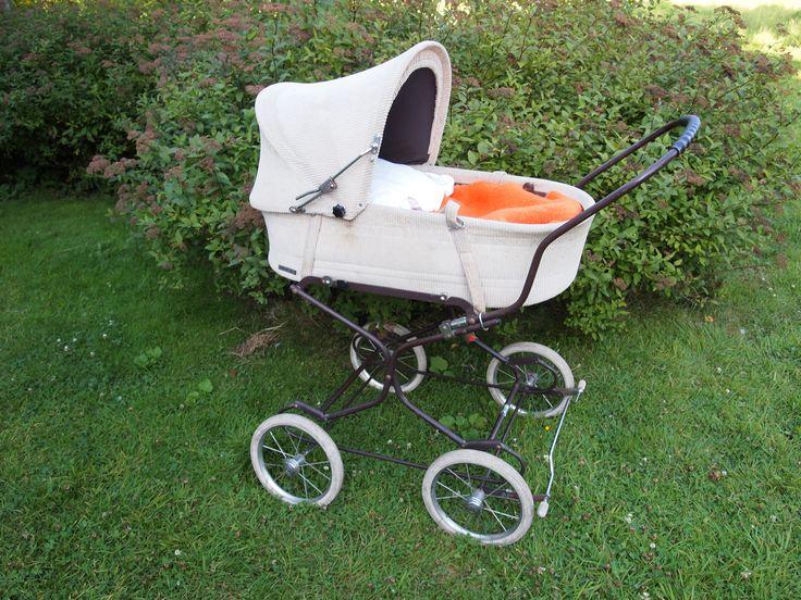 17 best images about pram 39 s kinderwagens on pinterest baby strollers doll shop and vintage. Black Bedroom Furniture Sets. Home Design Ideas