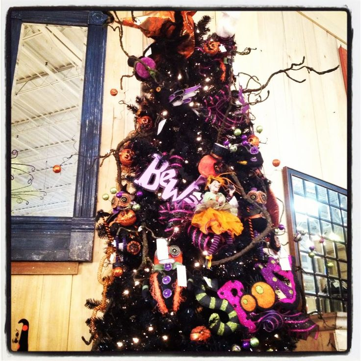 Halloween tree fall spooky pinterest for 5 minute halloween decorations