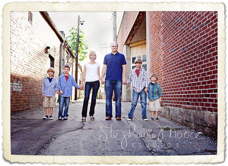 Urban family photos family inspo pinterest urban for Urban family photo ideas