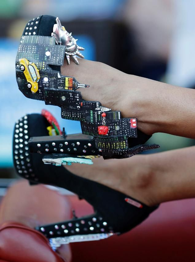 Don't let your feet touch the earth with these Fashionable Pumps - Trend2Wear