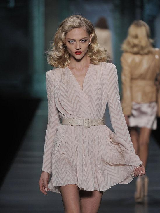 (dress) Sasha Pivovarova @ Christian Dior