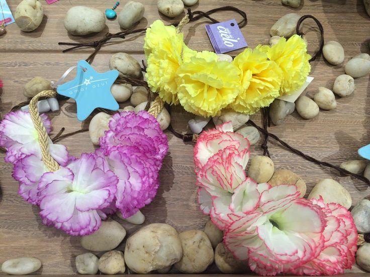 Corona de flores para el cabello.  #accesorios #beachwear #amarazulswimwear