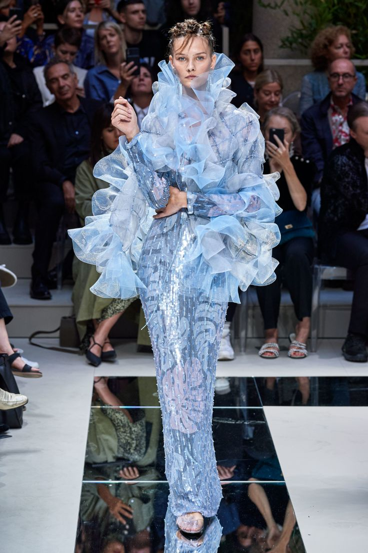 Giorgio Armani Spring 2020 Ready-to-Wear Fashion Show