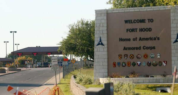 As Many as 4 Are Killed After Gunman Opens Fire at Fort Hood - NYTimes.com