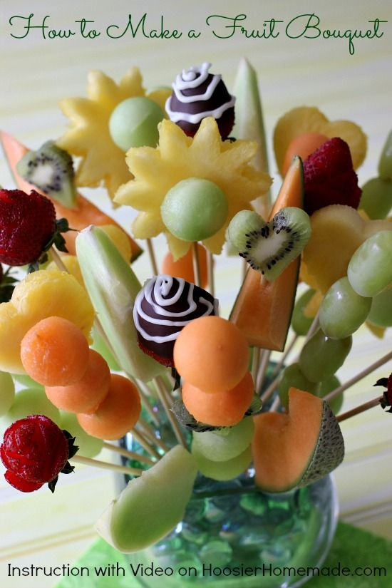 How to Make Fruit Bouquet | Instructions with Video on HoosierHomemade.com: Fruit Bouquets, Summer Fruit, Summer Parties Centerpieces, Fruit Centerpieces, Great Gifts, Hoosierhomemade With, Food Art, Foodart, Parties Food