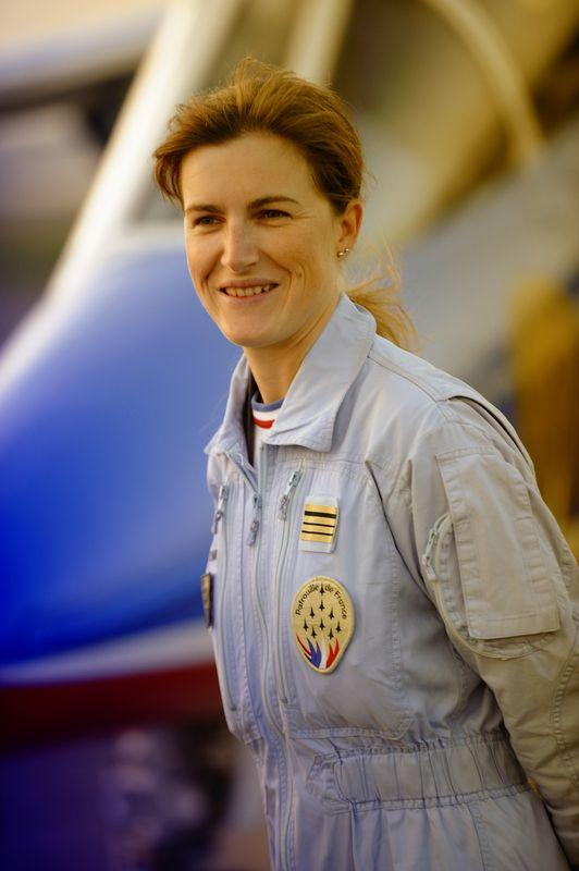Virginie Boissière-Guyot -1976- Pilote de chasse de l'armée de l'air française.  Le 11 mai 2009, elle est la première femme à intégrer la Patrouille de France, avant d'en assurer ensuite le commandement, responsabilité qui constitue une première mondiale dans les patrouilles acrobatiques.