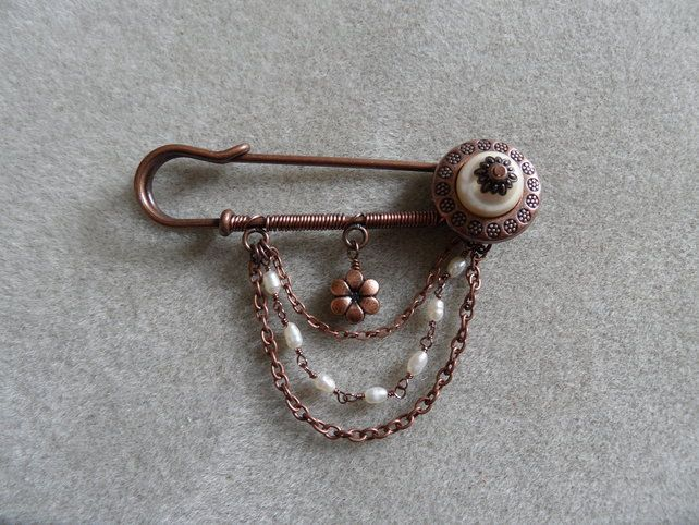 Copper and pearl large beaded kilt pin £6.50