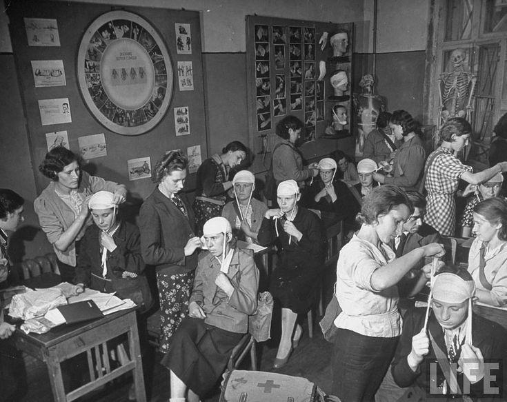 Начало войны в рассказе и фотографиях американки Маргарет Борк-Уайт. Часть 1: gorbutovich