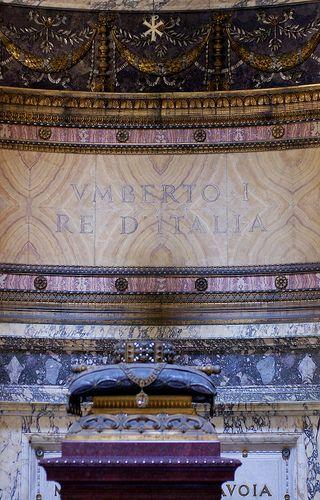 Rom, Piazza della Rotonda, Pantheon, Grabmal von Umberto I. (tomb of Umberto I.)