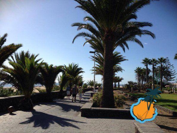 Walking in Playa del Ingles, Gran Canaria