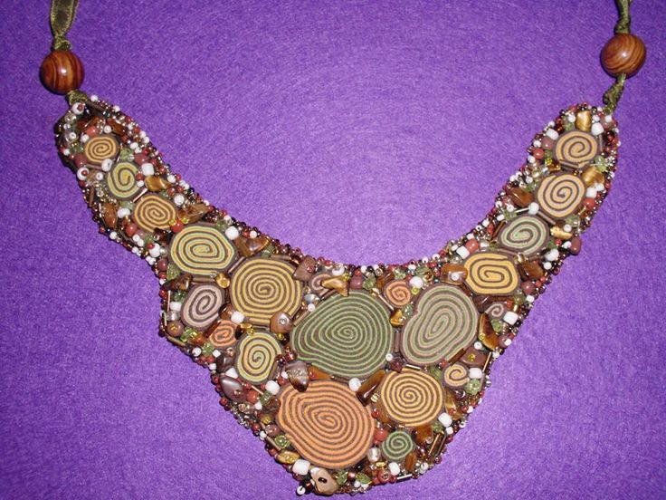 chips, seed beads, small glass pearls