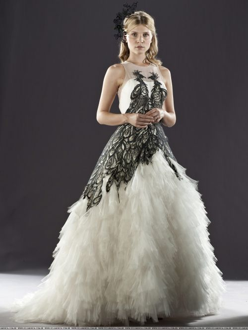 """clemence poesy in fleur delacouer's wedding gown, """"harry potter and the deathly hallows"""""""