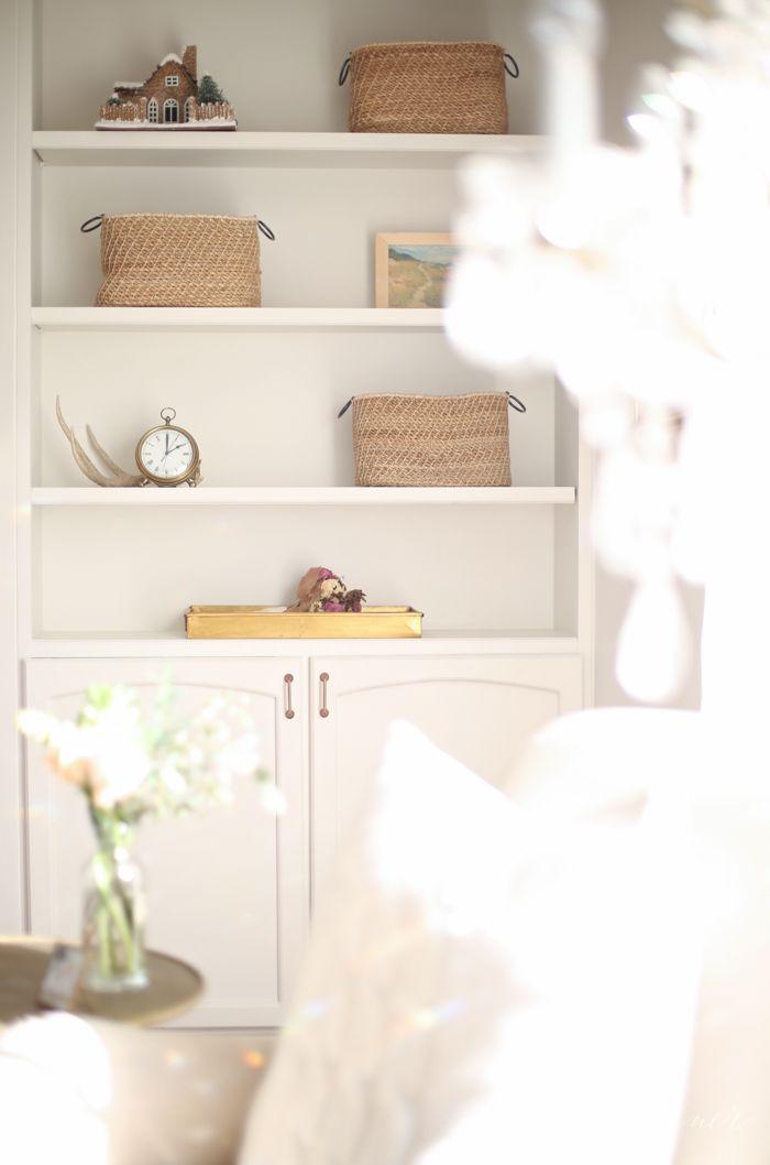 https://i.pinimg.com/736x/5e/26/a7/5e26a7c041251c021024d0bbc44f24f3--home-bar-cabinet-bar-cabinets.jpg