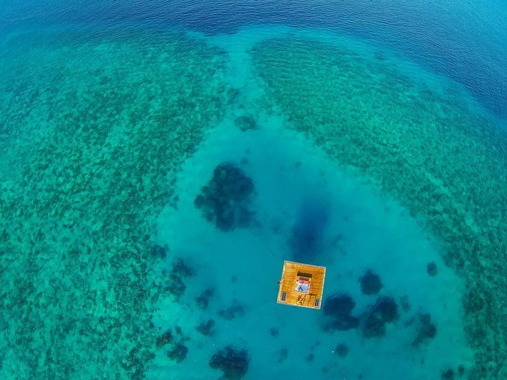 Underwater-Room-x-Manta-Resort-03