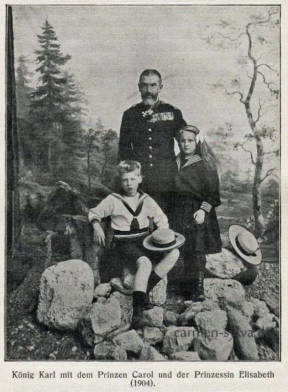 Carol şi Elisabeta cu bunicul lor dinastic, Regele Carol I, 1904.