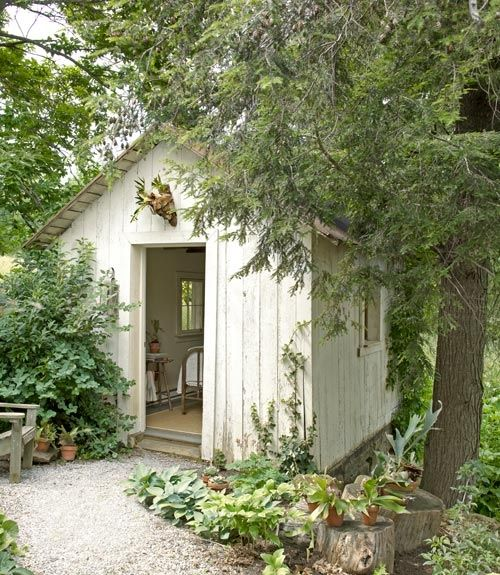 This Small Backyard Guest House Is Big On Ideas For: 81 Best Images About Beach Hut/Garden Shed Ideas On
