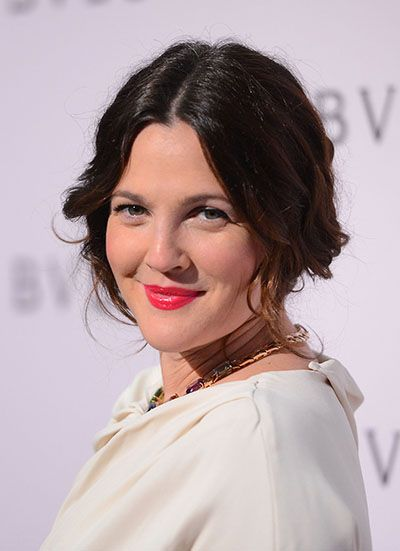 "In a 2003 interview with Contact Music, Drew Barrymore said, ""Do I like women sexually? Yeah, I do. Totally. I have always considered myself bisexual."" She has spoken about the many relationships she had with women in the past."